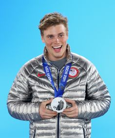 Gus Kenworthy wins the silver medal in Freestyle Skiing Men's Ski Slopestyle