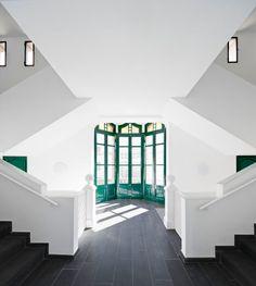 Garcés · De Seta · Bonet Arquitectes, Adrià Goula · Centro Cívico en Molins de Rei · Divisare