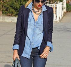 Com blazer azul