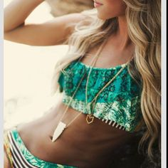 Cute!! It's the middle of winter and I'm already looking for bikinis. Summer come back!
