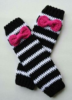 Crochet Leg Warmers for Girls, Black And White w/ Pink Bow, Ready To Ship Crochet Boot Cuffs, Crochet Leg Warmers, Baby Leg Warmers, Crochet Baby Boots, Baby Girl Crochet, Crochet Gloves, Crochet Slippers, Crochet Art, Crochet Patterns