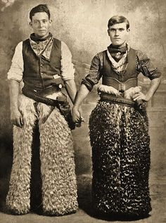 Vintage cowboys in chaps Vintage Pictures, Old Pictures, Vintage Images, Old Photos, Vintage Couples, Vintage Love, Vintage Men, Kasimir Und Karoline, Art Gay
