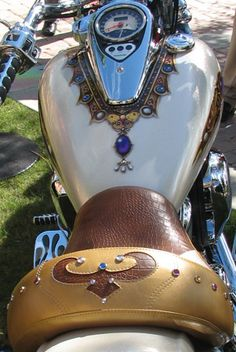 Motorcycle - custom paint - jewels