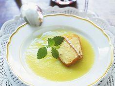 Apfelsuppe mit Pudding-Sticks |