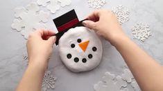 Cloud Dough - The Best Ideas for Kids Frog Crafts, Ladybug Crafts, Bunny Crafts, Easter Crafts For Kids, Frozen Playdough, Homemade Playdough, Sand Slime, Glitter Slime, Christmas Toilet Paper
