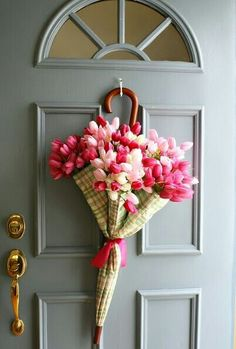 Twist on traditional wreath! Love!