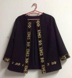 Simple blazer for Tasya Batik Kebaya, Batik Dress, Batik Fashion, Hijab Fashion, Blouse Batik Modern, New Outfits, Trendy Outfits, Outer Batik, Batik Blazer