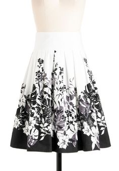 I like this black and white floral print skirt better than the other one from shopruche that I posted the other day. It looks like it's better quality and nicer fabric.