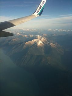 Descending upon Vancouver via @WestJet, a great Canadian Airline