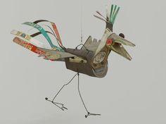Александр Колдер всемирно известный художник, автор мобильных абстрактных скульптур, которые включают физическое или механическое движение.  http://galleryhip.com/alexander-calder-circus-book.html