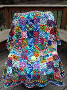 Colorful Variegated Granny Squares - I would like to try with baby variegated scraps