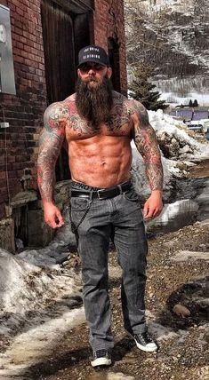 old fit guys Sexy Tattooed Men, Bearded Tattooed Men, Great Beards, Awesome Beards, Badass Beard, Rugged Men, Beard Love, Beard Tattoo, Tattoo Man