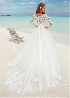 Buy discount Fabulous Lace Bateau Neckline Ball Gown Wedding Dresses With Lace Appliques at Dressilyme.com