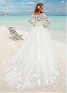 Buy discount Fabulous Lace Bateau Neckline Ball Gown Wedding Dresses With Lace Appliques at Dressilyme.com