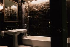Mr & Mrs Smith - Bathroom