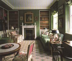 This librarys covered walls, in a green velour de lin, works so well with the Buxted carpet, damask upholstery and hints of floral. Colefax and Fowler: The Best in English Interior Decoration by Chester Jones (Bulfinch Press) English Interior, Classic Interior, Beautiful Interiors, Beautiful Homes, House Beautiful, French Interiors, English Country Decor, British Country, Home Libraries