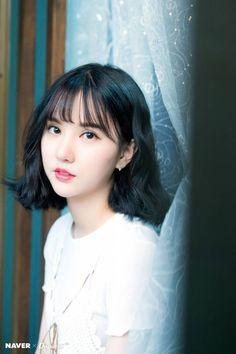 Eunha K-pop South Korea musician Gfriend portrait looking at camera HD wal Gfriend Album, Oppa Gangnam Style, Jung Eun Bi, Cloud Dancer, G Friend, Beautiful Asian Girls, Snsd, K Idols, Korean Singer