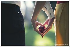 Wedding Photographer Love Apple