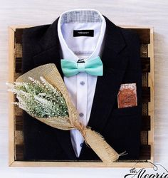 Wedding Gift Baskets, Wedding Gift Wrapping, Wedding Gift Boxes, Creative Gift Wrapping, Wrapping Ideas, Wedding Gifts For Men, Wedding Bride, Dream Wedding, Wedding Flowers