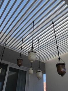 Casa Linea. Detalle pergola de aluminio.  Barrionuevo Sierchuk arquitectas