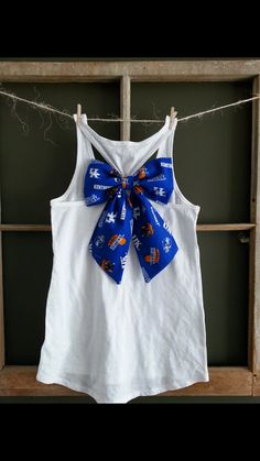 LOVE LOVE LOVE!! white racerback tank with kentucky Wildcats bow. by PurpleEyelash, $18.00