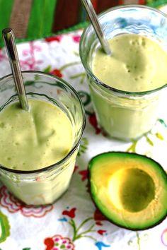Avocadosmoothie met mango, kokos en banaan | Rozemarijn koken & foto | Bloglovin'