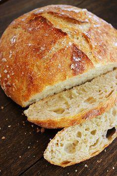 No-Knead Crusty Artisan Bread made using only four ingredients. Vegan. #vegan #bread #recipe