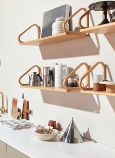 Small Space Kitchen, Nordic Home, Wall Mounted Shelves, Scandinavian Living, Kitchen Interior, Home Decor Inspiration, Decoration, Home And Living, Home Kitchens