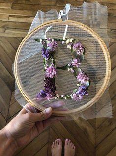 Homemade dried flowers – How to dry flowers # flowers - Diy Projects Pot Mason Diy, Mason Jar Crafts, Diy Hanging Shelves, Floating Shelves Diy, Logo Fleur, Diy Fleur, Fleurs Diy, Floral Hoops, Deco Floral