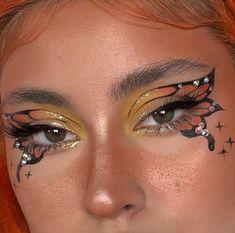discovered by dany on We Heart It Eye Makeup Art, Skin Makeup, Makeup Inspo, Eyeshadow Makeup, Makeup Inspiration, Beauty Makeup, Edgy Makeup, Colorful Eye Makeup, Blue Eye Makeup