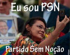 """PSN: Partido Sem Noção. Ou: Pesquisa indecorosa. O velório de Eduardo Campos neste domingo foi um fenômeno estranho, um desafio para o jornalismo. Tivemos a inovação de """"narrador de funeral"""", como se fosse um jogo de futebol. Tivemos o ex-presidente Lula e a presidente Dilma sendo vaiados, o que é sinal da rejeição legítima a ambos, mas sintoma de falta de respeito aos familiares das vítimas enterradas."""