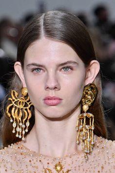 Freedom Fashion Bella Bridal Earrings in Light Purple