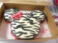 Perfect! Omg love this for my daughters secound birthday that I am doing Minnie mouse!!!!