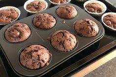 Schoko - Kirsch - Muffins 1 Deserts, Baking, Breakfast, Food, Chocolate Mix, Cacao Powder, Cherries, Oven, Food Portions