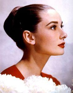 Audrey Hepburnin red