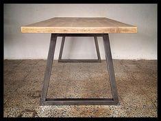Esstisch mit Eiche Top und Metall Beine. Esstisch mit