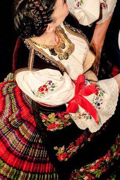 Folk costume from Sumadija ( Central Serbia ) *ansambl KOLO foto Jelena Janković