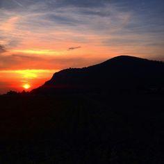 L'inconfondibile sagoma del #Monte Castellare di San Giuliano Terme #MontePisano