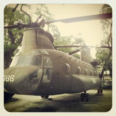 Chinook helicopter at the War Remnants Museum. Military Helicopter, Us Military, Chinook Helicopters, Air Machine, Ho Chi Minh City, Travel Memories, Planes, Vietnam, Fighter Jets