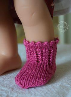 Tuto : Chaussettes ajourées pour poupées Wichtel et DNenes