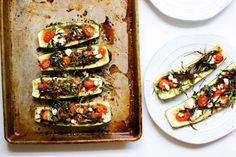 Have a lot of zucchini you& not sure what to do with? Craving pizza but not the carbs? These healthy Zucchini Pizza Boats are the answer. Real Food Recipes, Vegetarian Recipes, Cooking Recipes, Healthy Recipes, Bariatric Recipes, Clean Recipes, Organic Recipes, Free Recipes, Keto Recipes
