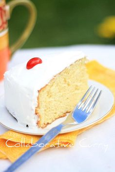 Tres Leches Cake- Use rum flavoring in place of vanilla. Quick Easy Desserts, Delicious Desserts, Yummy Food, Tasty, Guatemalan Desserts, Guatemalan Food, Guatamalan Recipes, Gourmet Recipes, Dessert Recipes