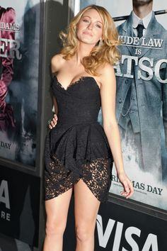 Sizzling Red Carpet Style: Blake Lively Graces the Red Carpet With a Little Black Lace Dress Mode Blake Lively, Blake Lively Style, Mode Outfits, Sexy Outfits, Sexy Dresses, Lace Dresses, Black Lively, Celebs, Celebrities