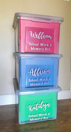 DIY School Memory Boxes Are you not sure what to do with all of that school and artwork your kids bring home? Learn how to make your own school memory boxes. It's easier than you think to organize your kid's school and artwork! Kids School Organization, Life Organization, Organizing School Papers, Organizing Kids Artwork, File Folder Organization, School Memories, Memories Box, Kids And Parenting, Single Parenting
