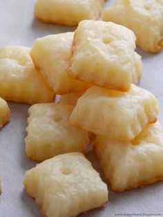 Shopgirl: Homemade Cheez-Its.  Just this very morning my son added Cheez its to the shopping list.  I think I'll try this instead.  After I buy a fluted pastry cutter, of course.