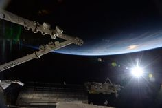 Terry W. Virts - 09/06/2015 - Beautiful #sunrise over the international @Space_Station.
