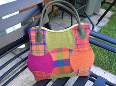 Apple core tweed bag with leather handles