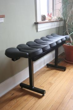 One can also use the saddle to make a very sports bench