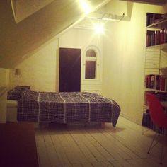 Guestroom.