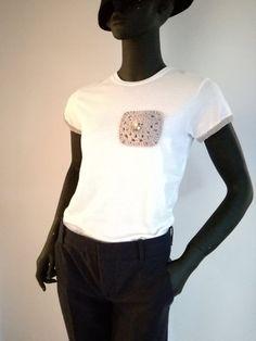 Unique Handmade Tops, Women  t shirts with crochet pocket, white t shirt, cotton t shirts, Appliqué cotton plum short sleeve t-shirt by elvihandmade on Etsy